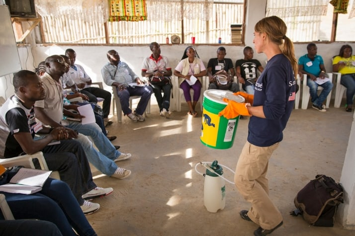 A Samaritan's Purse staff member delivers Ebola training