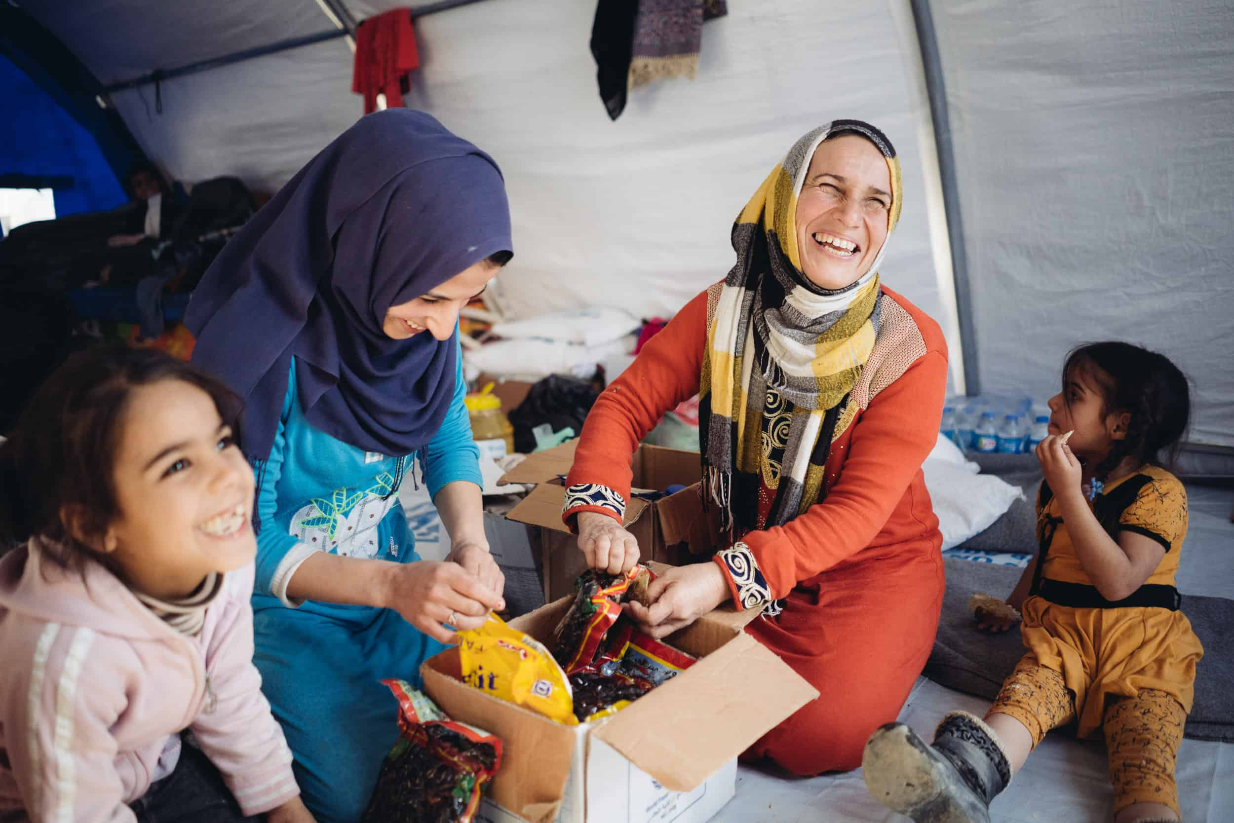 Receiving food and basic necessities brings joy to displaced families in Northern Iraq.