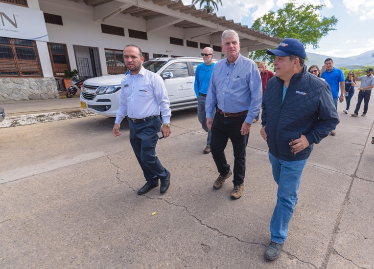 Franklin Graham and Samaritan's Purse Vice President Kenny Isaacs met with immigration officials and visited the area where our projects are underway.