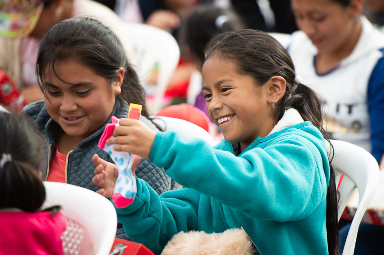 Children from poor communities in Ecuador received shoebox gifts and heard the Gospel of Jesus Christ.