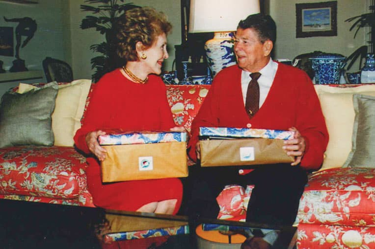 1999 - Former U.S. President Ronald Reagan and his wife Nancy packed shoeboxes for refugees from Kosovo. We distributed 365,096 shoeboxes, reaching nearly 90 percent of Kosovo's children.