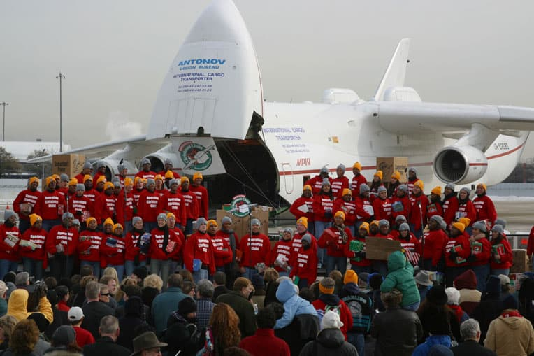 2002 - Samaritan's Purse chartered an Antonov AN-225, known as the world's largest cargo jet, to transport 80,000 shoebox gifts for Ugandan children, many of them orphaned by AIDS.