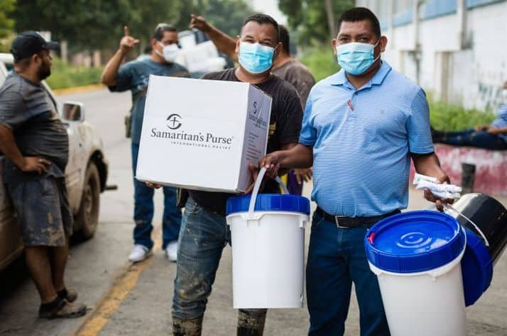Samaritan's Purse is providing household water filters, emergency shelter material, and hygiene kits to area pastors to aid hurting families in their respective communities in Honduras.