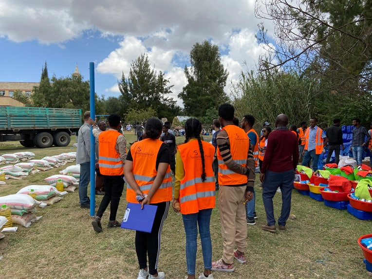>Our teams prepare for distributions to displaced people in the Tigray region.
