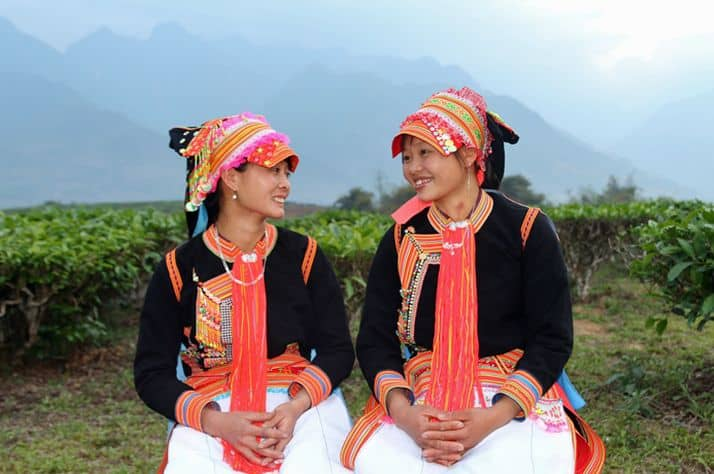 Traditional birth attendants Tan Xa Nhi and Lu Thi Van.