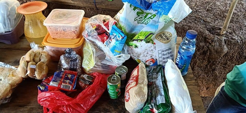 More than 800 families in the Philippines have received desperately needed supplies of rice, canned goods, and other food staples to help sustain them through the COVID-19.