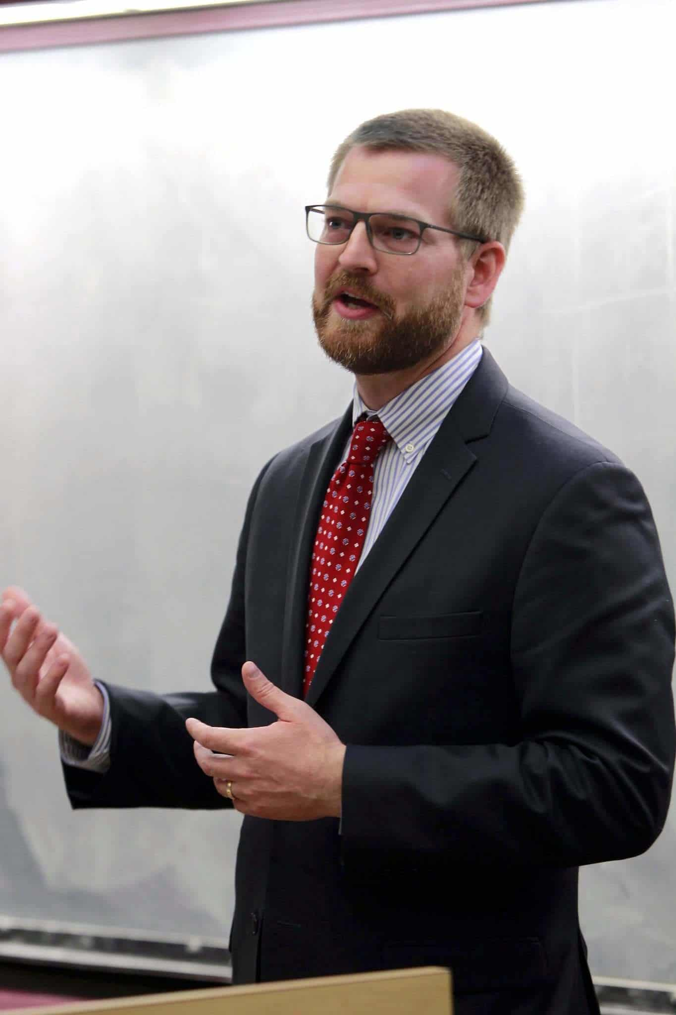BORIS MINKEVICH / WINNIPEG FREE PRESS Dr. Kent Brantly addresses members of the University of Manitoba's Bannatyne campus community Friday. His mission is to tell the story of West African countries hit hard by the virus almost four years ago.