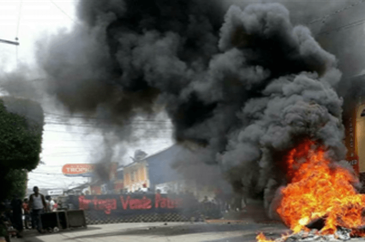 Large-scale demonstrations have wreaked havoc across Nicaragua. Looters have also targeted shops and markets.