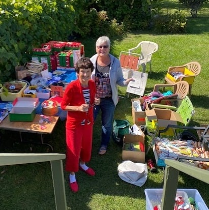 Shoebox packing party in Barbara Shumeley's backyard. (Supplied)