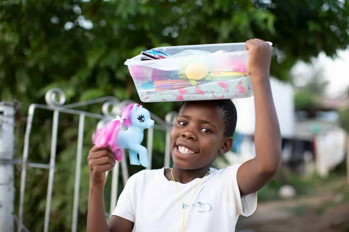 Queen was delighted to find wonderful gifts in her shoebox that helped open her heart to God's love.